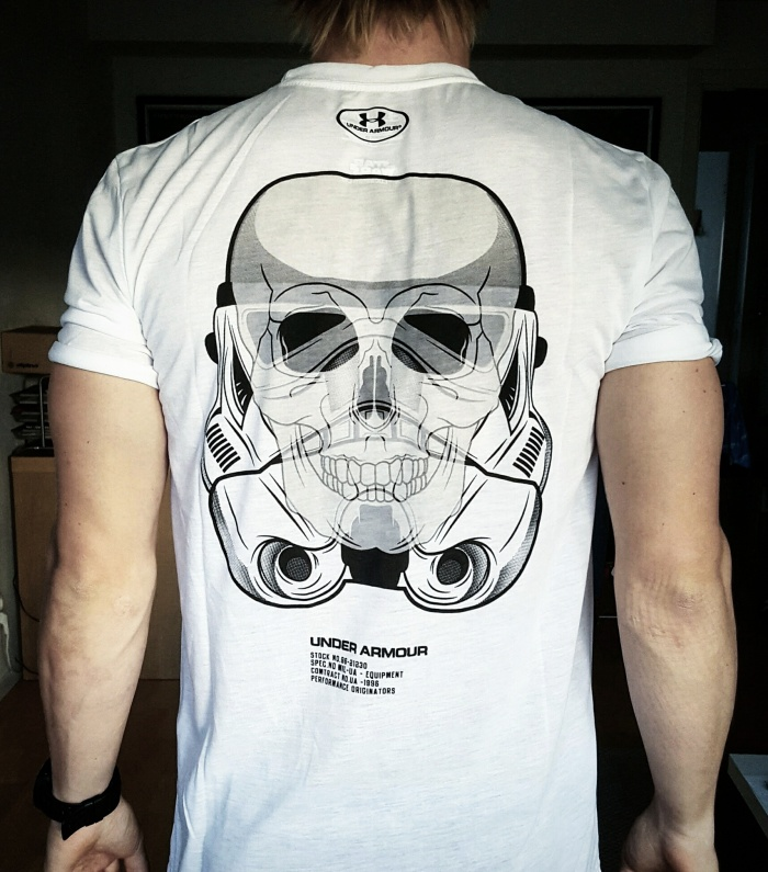 Fick hem denna mäktiga t-shirt i måndags. Under Armour + Star Wars = sant.
